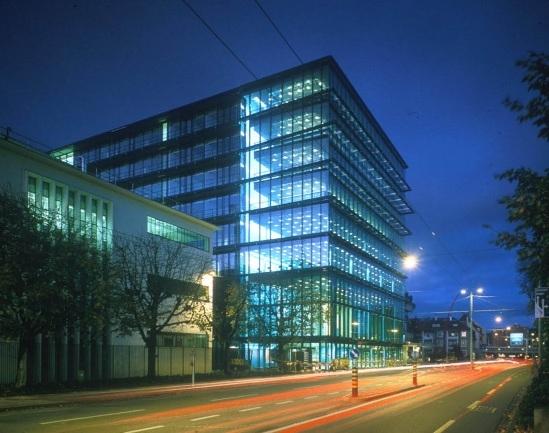 "Центр биотехнологического производства концерна ""Roche"" © Herzog & de Meuron"