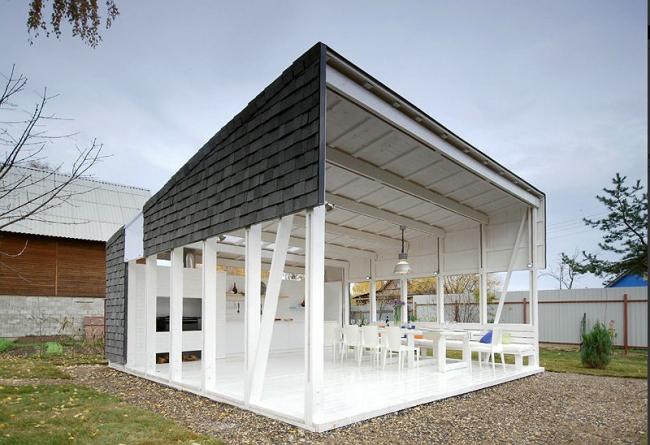 Павильон летней кухни «White steamer». Gikalo Kuptsov Architects