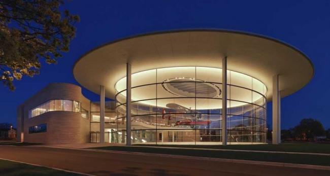 Корпус Форталеза-Холл кампуса компании S.C. Johnson. Фото © James Steinkamp