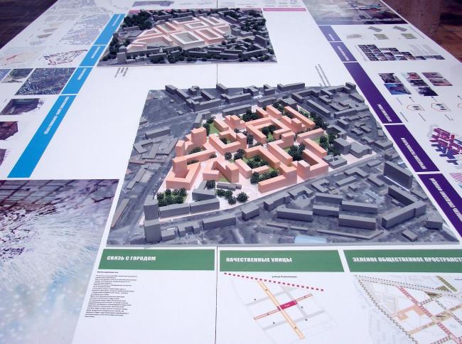Прямо при входе в зал подробно показана концепция реконструкции пермского квартала  номер 179, от того же бюро KCAP, которое сделало и весь мастер-план развития города. Вероятно, это приятно – работать по собственному мастер-плану.
