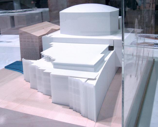 Проект тоже британского бюро Avery Associates Architects.
