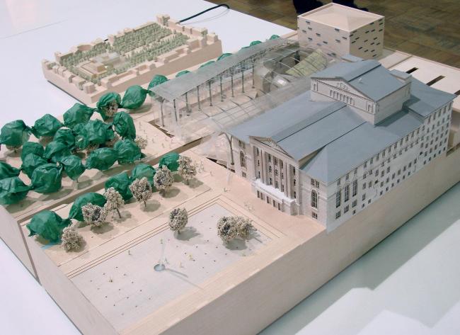 Проект лондонского бюро PLP. Его главная «фишка» - блестящая сцена под прозрачным куполом.