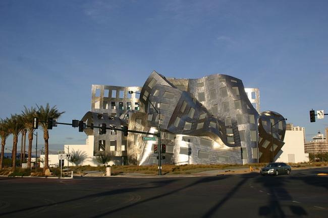 Центр здоровья мозга Лу Руво. Фото: Cygnusloop99 via Wikimedia Commons. Лицензия CC-BY-SA-3.0