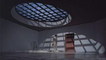 Кен Адамс [Ken Adams] Кадр из фильма «Доктор Но» из серии об агенте 007