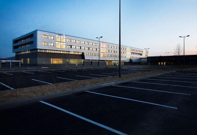 Частная больница Эстуэр. Фото © Julien Lanoo