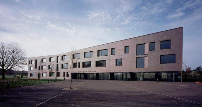 DSDHA. Средняя школа «Крайстс-Колледж» в Гилдфорде. Фото © Helene Binet