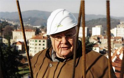 Жак Убрери, архитектор, заканчивающий строительство церкви Сен-Пьер