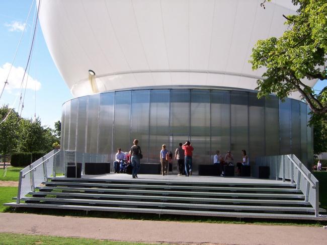 Летний Павильон Галереи Серпентайн 2006. Фото: Loz Pycock via flickr.com. Лицензия CC BY-SA 2.0