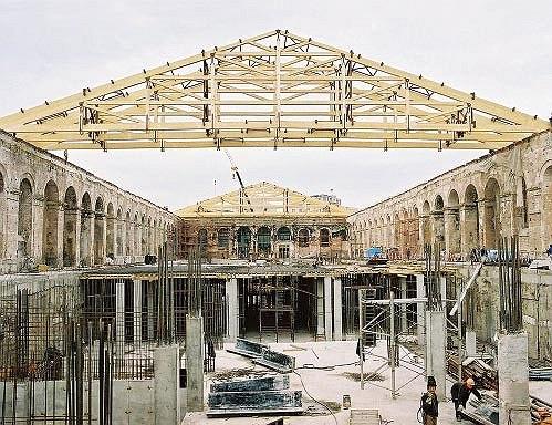 Московский манеж после пожара: начало восстановительных работ