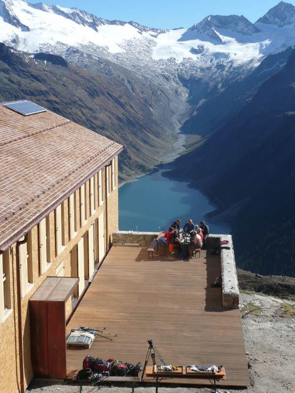 Клуб альпинистов. Гинцлинг. Фрагмент.  Фотография: бюро Кауфмана