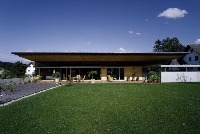 Частный дом в Фрастанце, земля Форарльберг.  Фотография: бюро Кауфмана