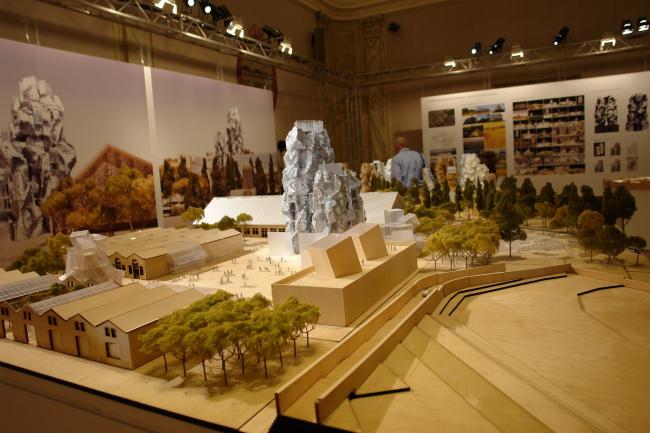 Макет «парка мастерских» Фрэнка Гери для швейцарского фонда LUMA. Фото Нины Фроловой