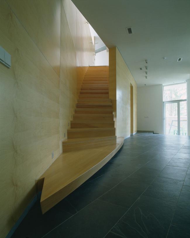 Индивидуальный жилой дом с комплексом строений «Николина Гора». Реализация, 2006 © Архитектурное бюро «Тотемент/Пейпер»