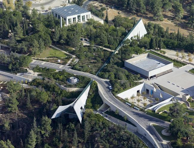 Мемориальный музей Холокоста Яд Вашем. Фото: Godot13 via Wikimedia Commons. Лицензия CC-BY-SA-4.0