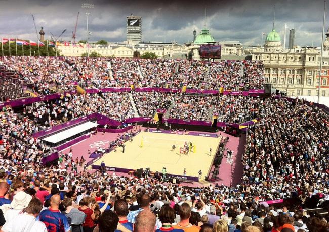 Олимпийский стадион для пляжного волейбола. Фото: Tom Marsh via Wikimedia Commons. Лицензия CC-BY-2.0