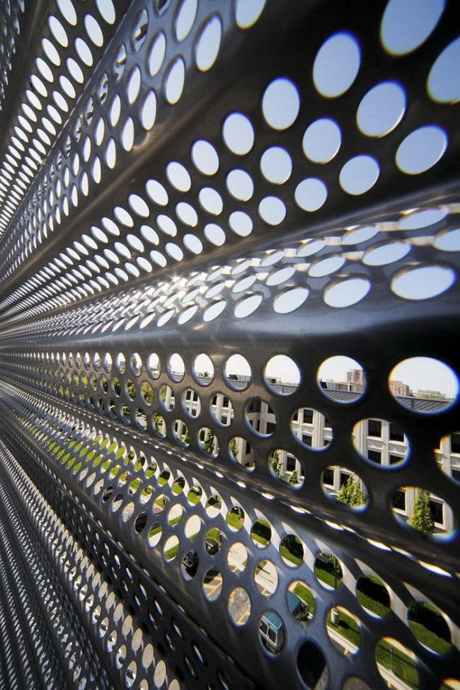 Корпус холодильной установки Южного кампуса Чикагского университета. Фото © Rainer Viertlboeck