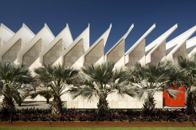 Выставочный павильон Ресник Музея искусства округа Лос-Анджелес. Фото © Nic Lehoux