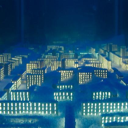 Шарманка-аквариум с заснеженным городом. Фото: Филиппо Романо