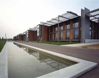 Штаб-квартира фирмы Max Mara в итальянском Реджо д'Эмилия бюро John McAslan + Partners