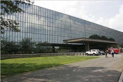 "Эро Сааринен. ""Bell Labs"" в Холмделе. Фасад"