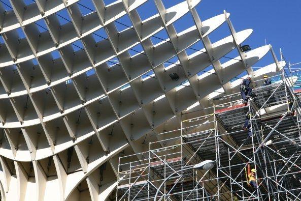 Комплекс Metropol Parasol в ходе строительства. Декабрь 2010