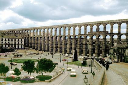 Римский акведук в Сеговии, Испания