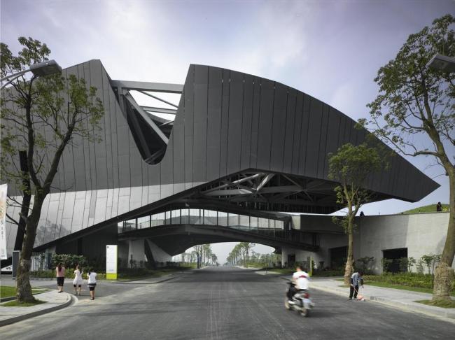 Штаб-квартира компании Giant Interactive Group © Roland Halbe. Фото с сайта morphopedia.com