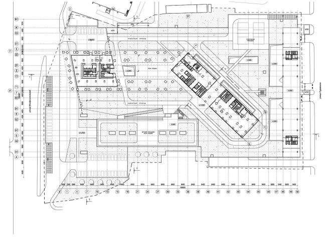 Генплан участка. Слева – улица Мосфильмовская. На плане видно, что башни поставлены под углом друг к другу (в данном случае башня (блок А) левее, корпус-«пластина» (блок В) – правее, по диагонали