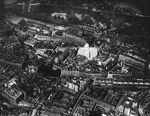 Штаб-квартира Transport for London (Бродвей, 55) в 1929. Фото с сайта charlesholden.com