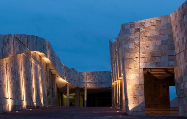 Город культуры Галисии. Вход в Галисийскую библиотеку и Национальный архив © Fundacion Cidade da Cultura de Galicia