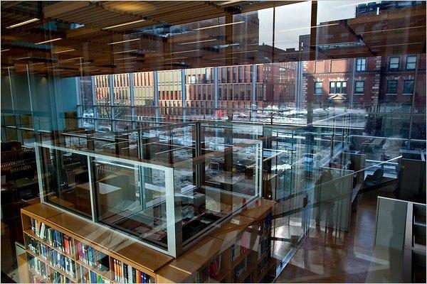 Северо-западный угловой корпус Колумбийского университета © Robert Caplin