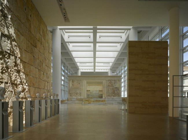 Музей «Алтаря мира» Courtesy of Richard Meier & Partners Architects, © Roland Halbe ARTUR IMAGES