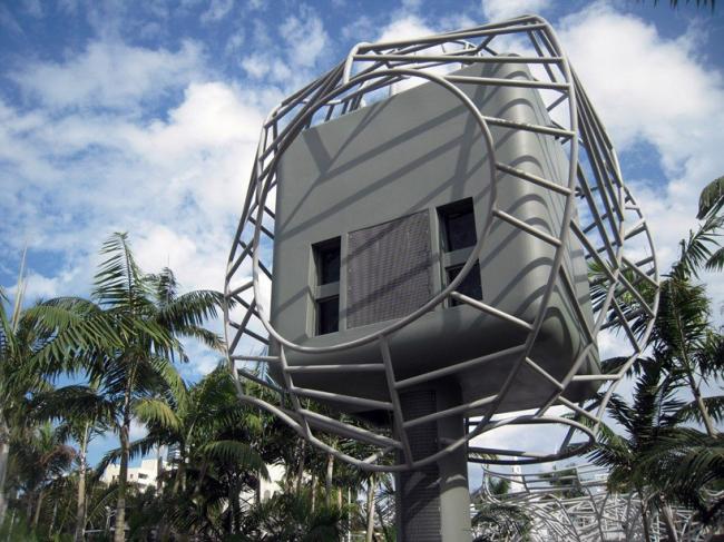 Линкольн-парк. «Проекционная башня» для проекции изображений на фасад концертного зала © West 8