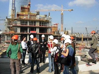 Экскурсия на стройплощадку башен «Город Столиц», организованная проектом «Свобода доступа». Фото – «Свобода доступа»