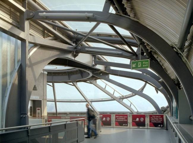 Железнодорожный вокзал Ньюпорта © Ken Price