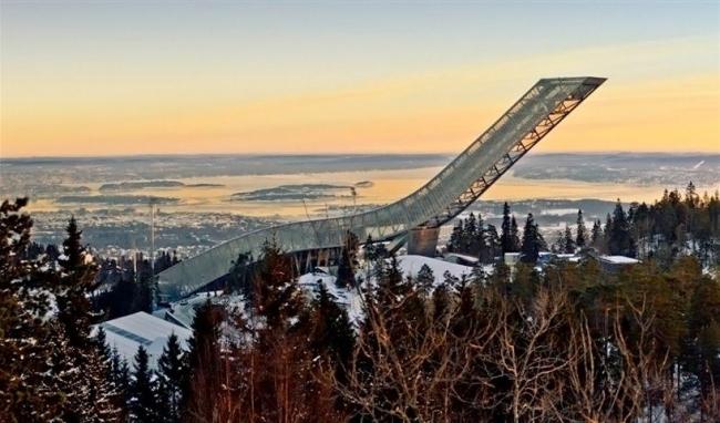 Лыжный трамплин Хольменколлен © Marco Boella