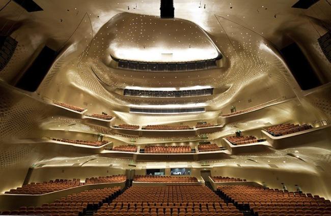 Оперный театр в Гуанчжоу © Dan Chung