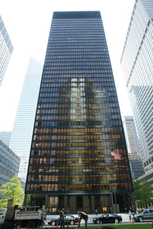 «Сигрем-Билдинг» в Нью-Йорке