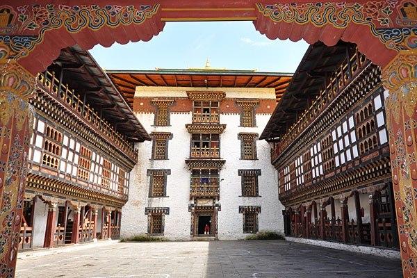 Трашиганг-дзонг в Бутане. Фото © Stephen J. Kelley/World Monuments Fund
