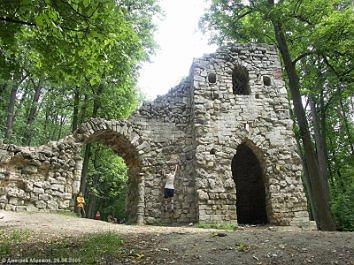 Царицино. Башня-руина. Фото: Дмитрий Абрамов / www.siriusmsk.fotoplenka.ru