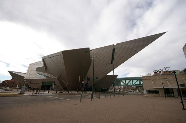 Корпус Фредерика С. Хэмилтона Денверского музея искусств. Фото: Hustvedt via Wikimedia Commons. Лицензия GNU Free Documentation License, Version 1.2