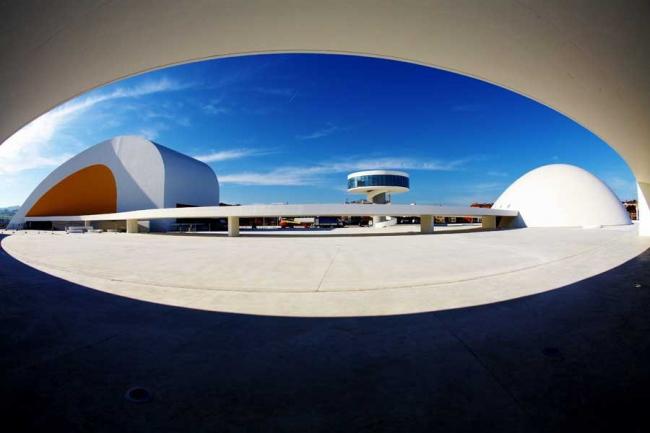 Международный культурный центр Оскара Нимейера © Aereas