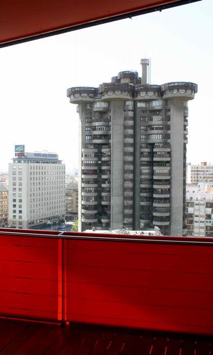 Мадрид. Сайенс де Ойс. «Белые башни» (1968). Фото: Николай Малинин
