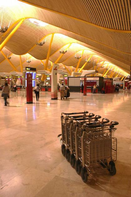 Мадрид. Ричард Роджерс. Аэропорт «Барахас». Фото: Николай Малинин