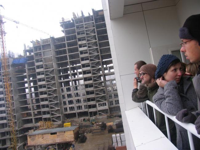 Вид на строящийся 2 корпус с пятого этажа
