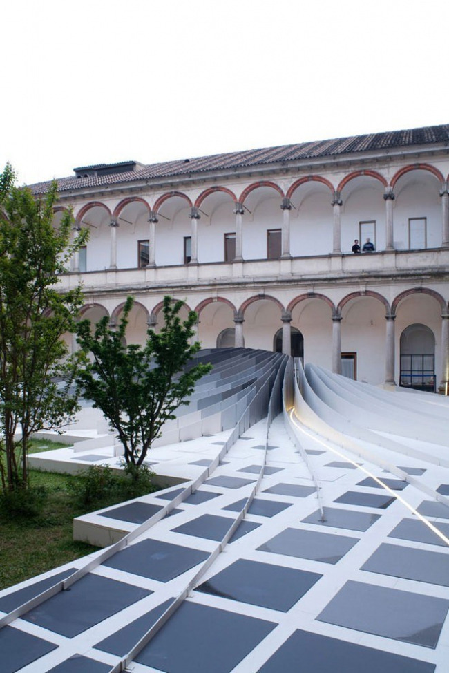 Инсталляция Twirl. Фото © Davide Bonando