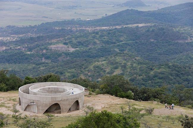 Обзорная площадка Эспинасо де Дьябло в горах Халиско. HHF architects. Фото © Iwan Baan