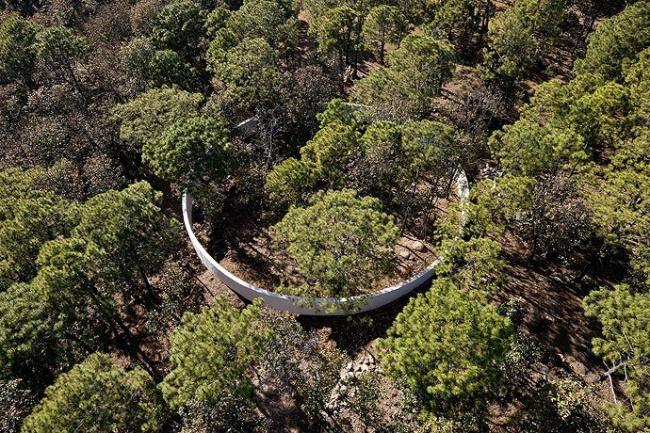 «Путь паломника». Святилище-круг. Dellekamp Arquitectos и Periferica. Фото © Iwan Baan