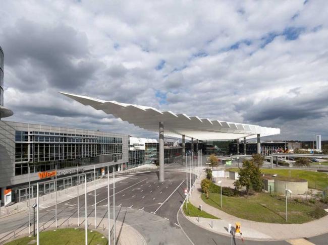Реконструкция главного входа выставочного комплекса NürnbergMesse