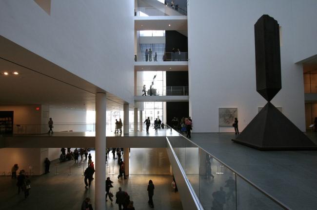 Новое здание МОМА. Интерьер. Фото: Ed Schipul via flickr.com. Лицензия CC BY-SA 2.0